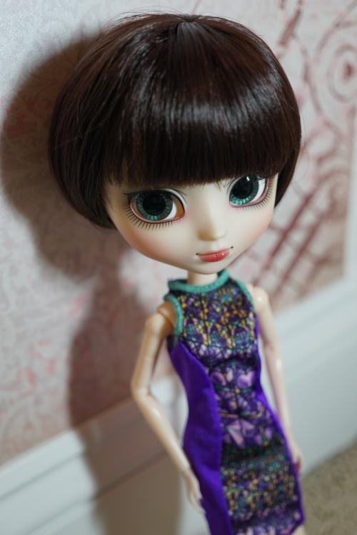 [Image: Kuhn-babs-dress-02.jpg]